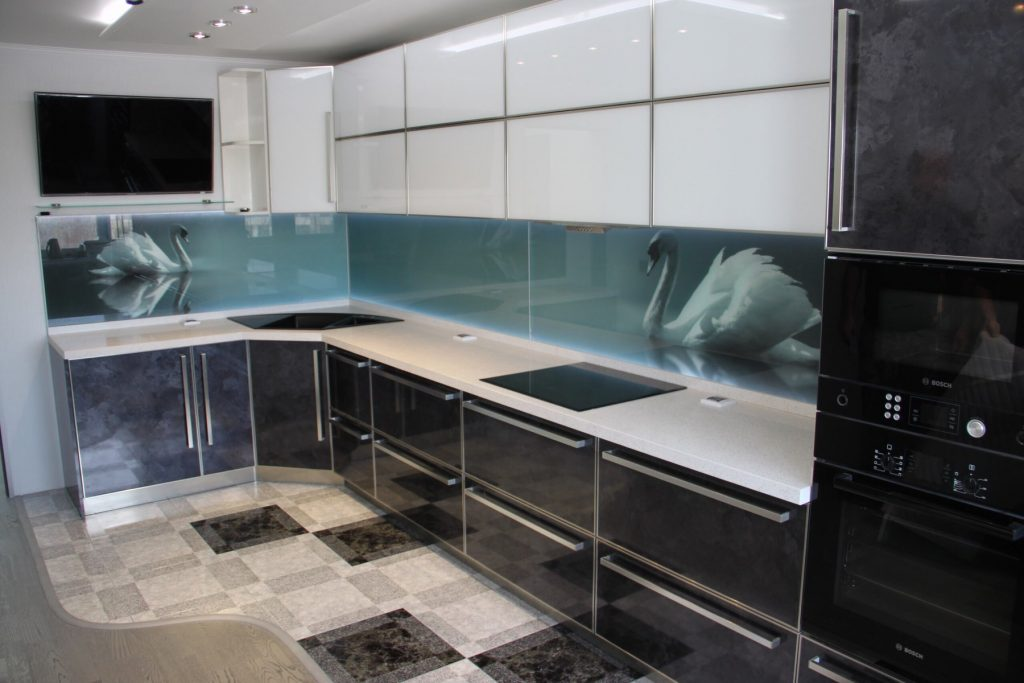 glass backsplash